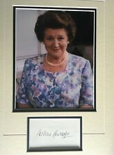 PATRICIA ROUTLEDGE - KEEPING UP APPEARANCES ACTRESS - SUPER SIGNED PHOTO DISPLAY