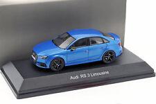 Audi RS 3 berline bleu métallisé 1:43 iScale