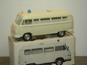 Hanomag Henschel Ambulance - Cursor 970 Germany in Box *37327