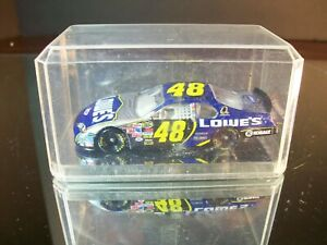 Jimmie Johnson #48 Lowe's 2006 Chevrolet Monte Carlo 1:64 With Case