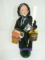 Byers Choice Carolers 2013 Amish Shopping Woman Signed
