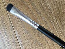 E-20 Short Shader Brush alternative #214 Makeup Brush Eyeshadow blending brush