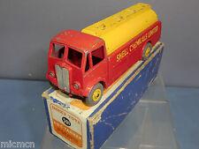 """DINKY TOYS modèle No.591 A.E.C - citerne """"SHELL Chemical"""" VN En parfait état, dans sa boîte"""