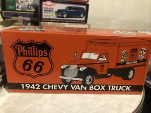 Spec Cast Phillips 66 Lubricants 1942 Chevy Van Box Truck Bank Limited Edition