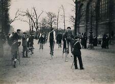 PARIS c. 1910 - Jeu de Balles aux Echasses aux Tuileries - 20