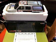 2002 1/24 Kevin Harvick #29 Slammed Suburban Brookfield Collector's NASCAR
