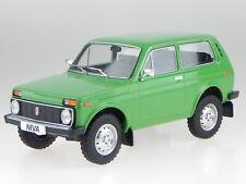 Lada Niva 1976 grün Ostalgie Modellauto 18111 MCG 1:18