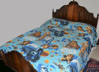 RARE Star Wars 1977 Double BED COVERLET, Good Condition Bright Colors, Fast Ship