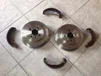 VAUXHALL ZAFIRA MK 1  98-05 TWO REAR BRAKE DRUMS AND A SET OF REAR BRAKE SHOES