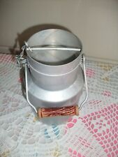 Ancien petit pot à lait en aluminium TOURNUS UNIS FRANCE , 1,5 L