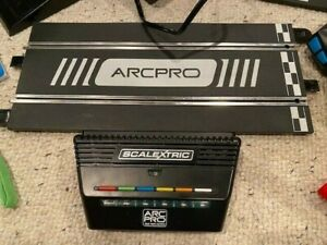 Scalextric C8435 ARC PRO 6 Car Power Base + Extras