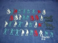 PLASTIC LITTLE KNIGHTS & HORSES LOT OF 37 FIGURES BLUE, WHITE, RED