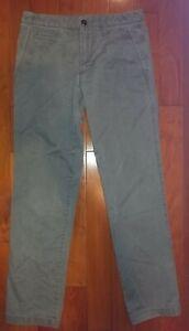 GAP Men's New Straight Leg Khaki Chino Pants Shadow Sz 30 X 32