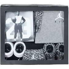 Nike AIR JORDAN from THE JUMPAN Collection - Baby 5-piece Gift Set Black/Grey