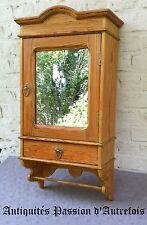 B2017594 - Petite armoire en pin massif à suspendre au mur - Pharmacie , cuisine