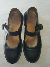 ladies dr martins the original shoes size 9