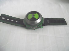 Ben 10 Omnitrix Light Up Proyector Reloj / Bandai