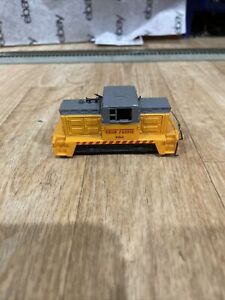 HO Scale Tyco Union Pacific 318A Plymouth CR-4 Industrial Switcher Engine Runs