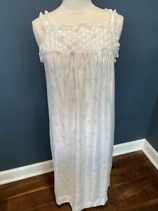 Vintage Barbizon Floral and Lace Nightgown Quilted top Size Small