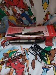 "Remington Ultimate Ceramic Plates 1"" Flat Iron Smooth Straightener (S6500) -Used"