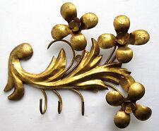 Feuille d'acanthe + 3 fleurs en métal doré et 3 crochets pour mettre les clés