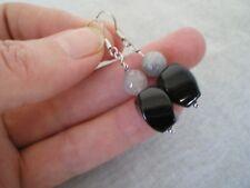 Labraodorite & Onyx hook earrings, 18 carats, in 1.2 grams of 925 Sterling Silve