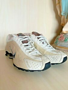 NIKE SHOX 2004 SIZE US 8, PERFECT CONDITION