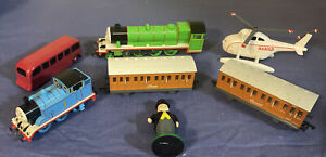 Bachmann HO Scale Thomas & Friends~Annie & Clarabel~Henry Green Engine 58745