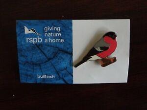 RSPB GNaH  bullfinch metal Pin Badge on Blue  FR card
