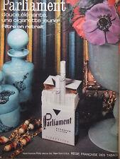 PUBLICITÉ DE PRESSE 1962 CIGARETTES PARLIAMENT DOUCE ÉLÉGANTE - ADVERTISING