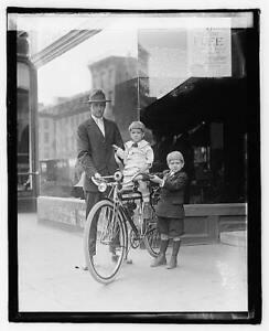 Photo:Times bicycle,Bike Riding,Children,1921 8425