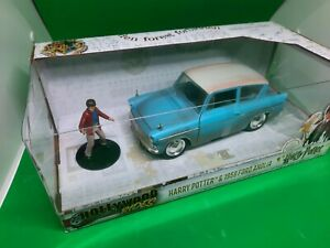 Harry Potter and Ford Anglia. Diecast   1:24