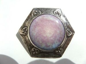 RUSKIN POTTERY PLAQUE IN SILVER FRONTED BROOCH MOUNT