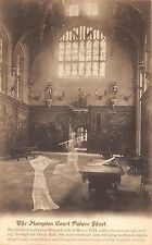 B85726 the hampton court palace ghost  london uk