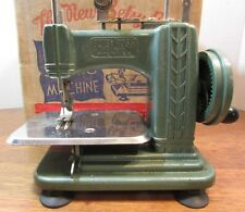 Vintage green betsy ross childs Miniature Hand Crank sewing Machine. w/box