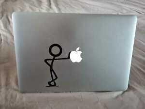 Macbook Pro 15  (mid 2015) i7 2.5GHz 16gb with accessories