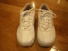 Women's Sport Performance Nike Golf Shoes size 7 only worn a few times white/tan