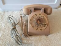 Vintage 1960s Bell System Western Electric Beige Rotary Dial Desk Telephone