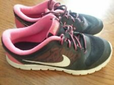 Girls nike shoes size 3y black and pink