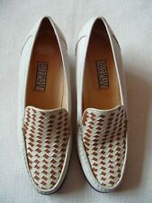 """Ladies Leather Mocassin Style Shoes Rombah Wallace Size 7 Cream/Tan 2 1/4"""" Heel"""