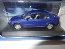 Altri modellini radiocomandati blu