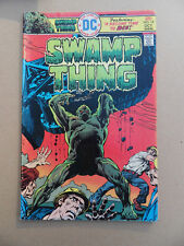 Swamp Thing 19 . Nestor Redondo . DC 1975 . FN +