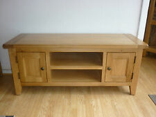 VANCOUVER PETITE SOLID OAK 2 DOOR ONE SHELF T.V UNIT CODE NB013, 120cm LENGTH