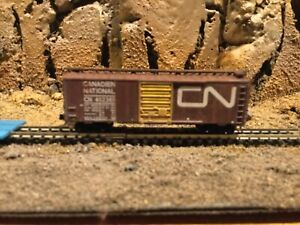 N scale Roundhouse 40' single door boxcar CN CANADIEN NATIONAL mtl cplrs weather