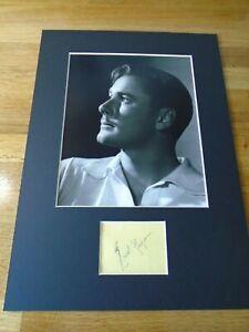 Errol Flynn Genuine Signed Authentic Autograph - UACC / AFTAL.