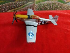 Special edition. Maisto P-51D Mustang Flyers 1/72 scale.