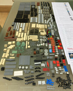 Harry Potter Lego Hogwarts Castle 4757. Incomplete. 100's Of Spare Bricks. Used