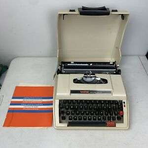 Brother Deluxe 750TR Ultraportable Typewriter with Case and Manual