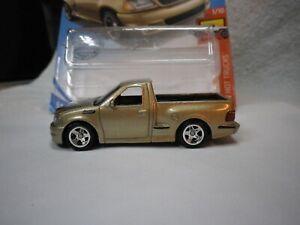 2020 Hot Wheels Gold 99 Ford F-150 SVT Lightning Truck Custom Real Riders