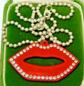 Cool British Vintage Anna Lou Red Lips Rhinestones Silver Chain Necklace Sp14